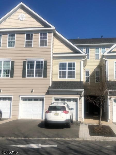 Condominio / Townhouse per Vendita alle ore South Bound Brook, New Jersey 08880 Stati Uniti