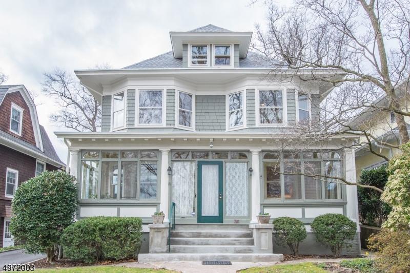 Single Family Homes per Vendita alle ore Glen Ridge, New Jersey 07028 Stati Uniti