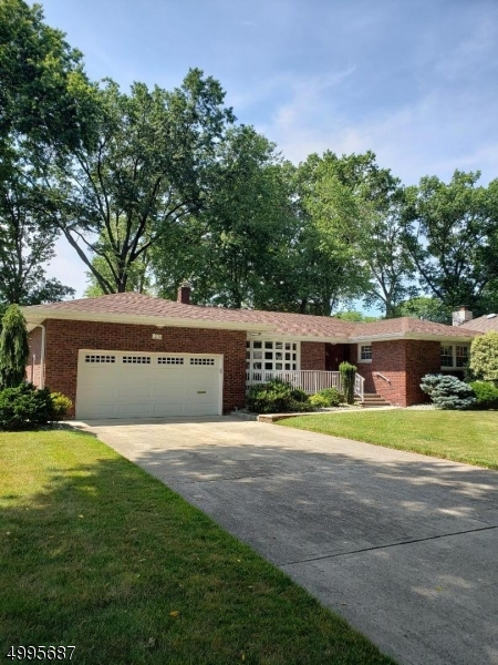 Property 为 销售 在 Address Not Available Clark, 新泽西州 07066 美国