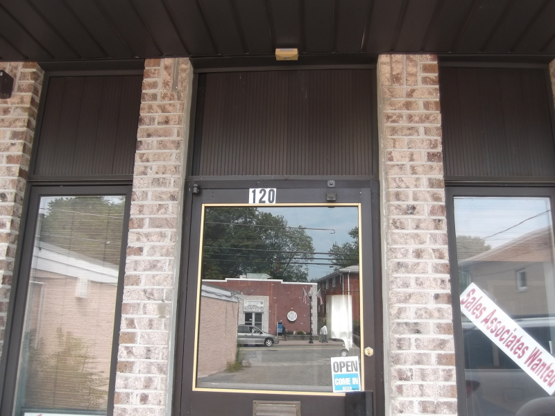 Commercial for Sale at 120 N Beverwyck Road Parsippany, New Jersey 07034 United States