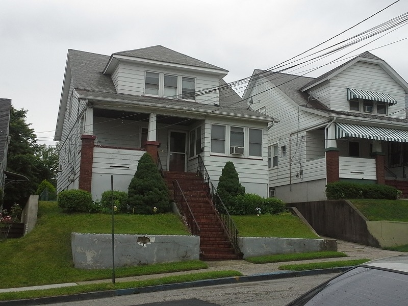 Additional photo for property listing at 157-159 E 24TH Street  Paterson, New Jersey 07514 États-Unis