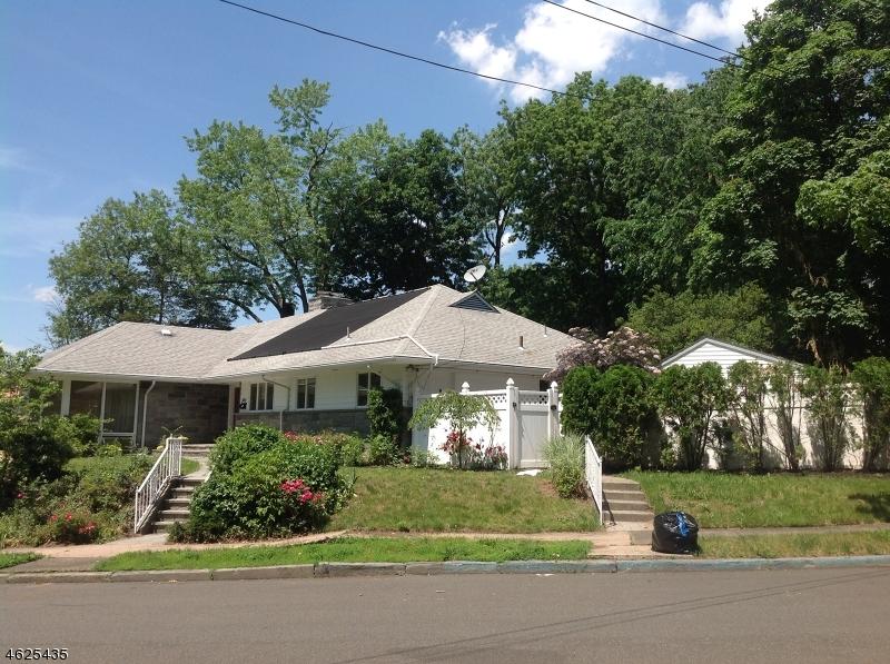 独户住宅 为 销售 在 241 Wall Avenue Paterson, 新泽西州 07504 美国