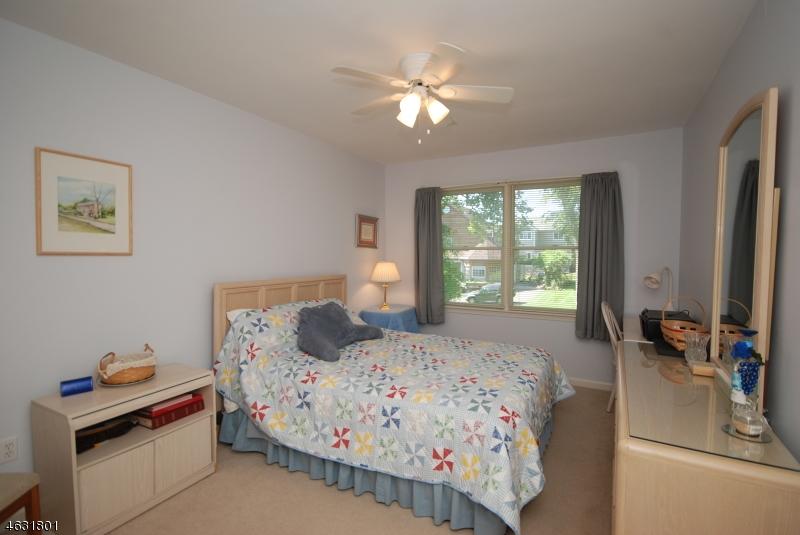 Additional photo for property listing at 220 4th Street  Dunellen, Nueva Jersey 08812 Estados Unidos