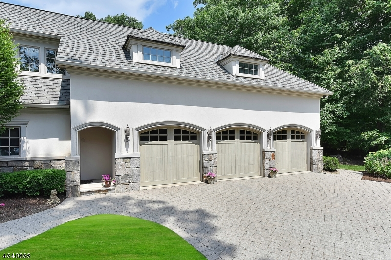 Additional photo for property listing at 104 Evergreen Court  Franklin Lakes, New Jersey 07417 United States
