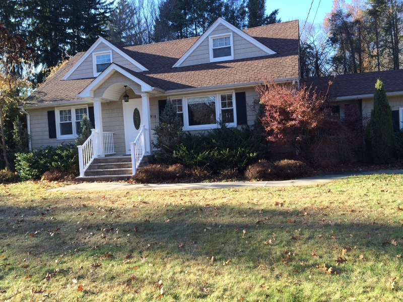 Single Family Home for Sale at 916 Colonial Road Franklin Lakes, New Jersey 07417 United States