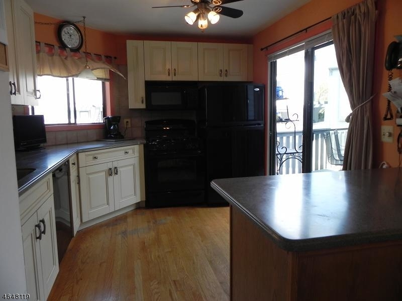 Additional photo for property listing at 26 Delbarton Court  Hackettstown, Нью-Джерси 07840 Соединенные Штаты