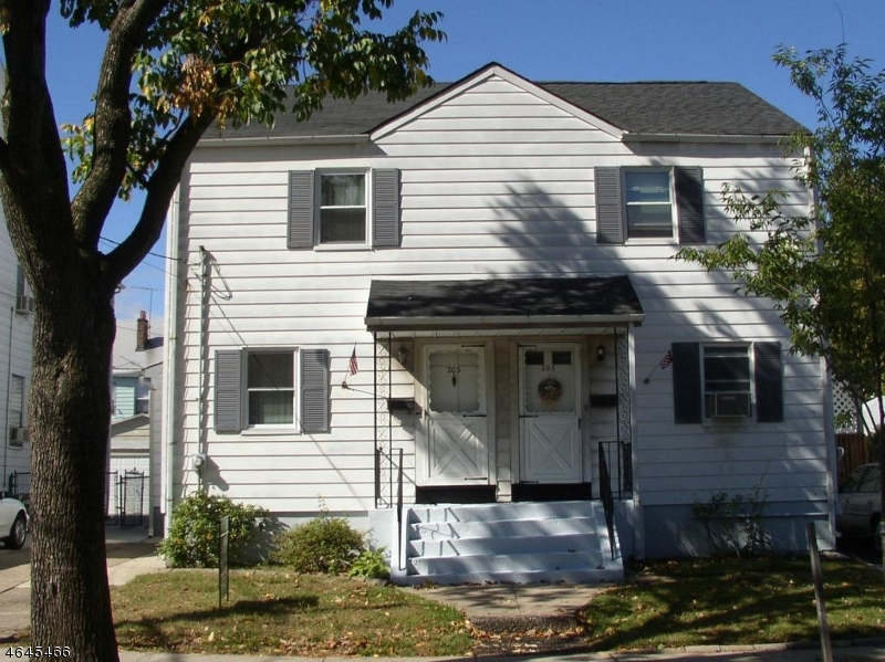 Single Family Home for Sale at 203 N FIFTEENTH Street Bloomfield, New Jersey 07003 United States