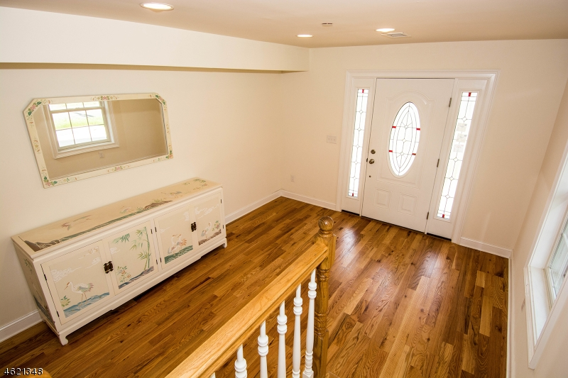 Additional photo for property listing at 10 RIVERBEND COURT  New Providence, New Jersey 07974 États-Unis