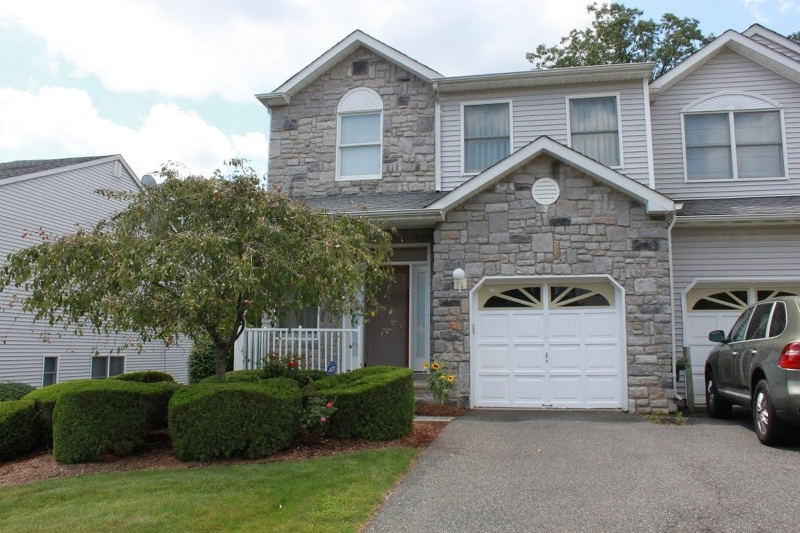 Single Family Home for Rent at 88 Summerhill Drive Morris Plains, New Jersey 07950 United States