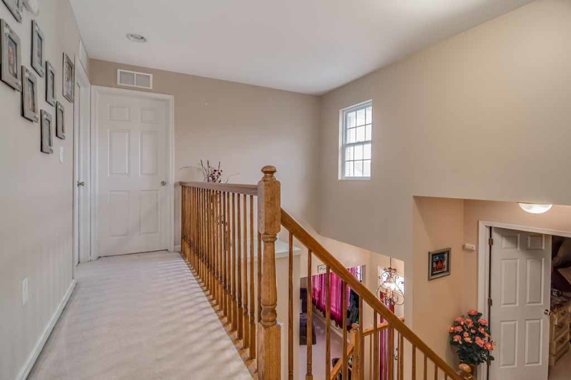 Additional photo for property listing at 69 WINDING HILL Drive  Hackettstown, Нью-Джерси 07840 Соединенные Штаты