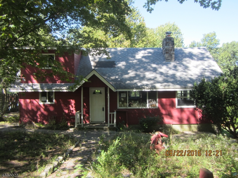 Single Family Home for Sale at 133 E Lakeside Drive Highland Lakes, New Jersey 07422 United States