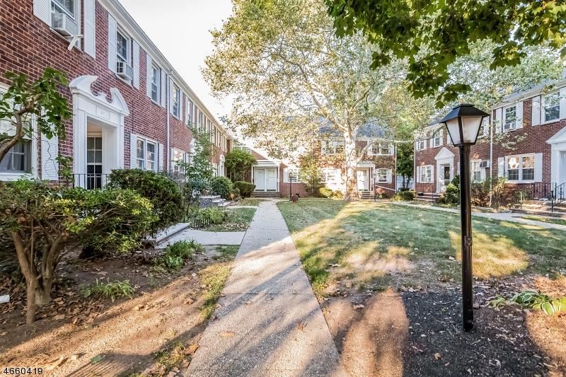 Частный односемейный дом для того Аренда на 61 Meadowbrook Place Maplewood, Нью-Джерси 07040 Соединенные Штаты
