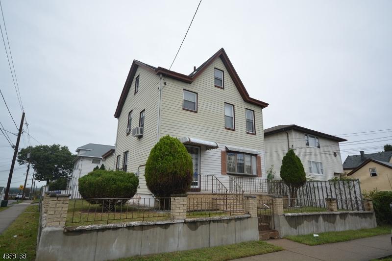 Casa Unifamiliar por un Venta en 347-349 6TH Avenue Paterson, Nueva Jersey 07524 Estados Unidos