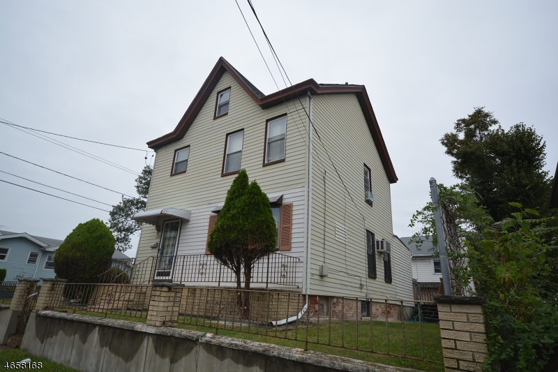 Additional photo for property listing at 347-349 6TH Avenue  Paterson, Nueva Jersey 07524 Estados Unidos