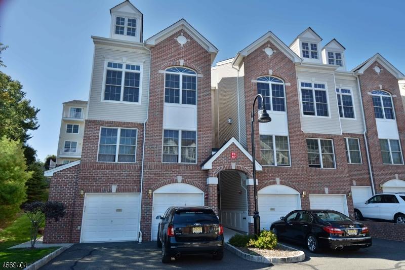 Частный односемейный дом для того Продажа на 5 Nelke Court Hawthorne, 07506 Соединенные Штаты