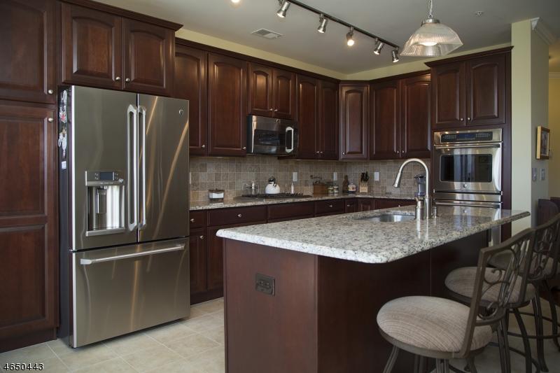 Частный односемейный дом для того Продажа на 9 Pebble Rd, D1 Woodland Park, 07424 Соединенные Штаты