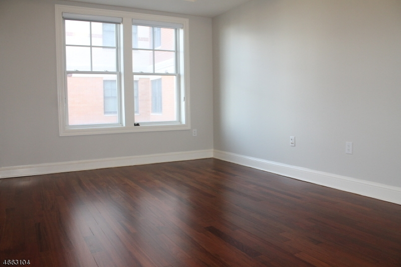 Additional photo for property listing at 40 W Park Place Unit 510  Morristown, New Jersey 07960 United States
