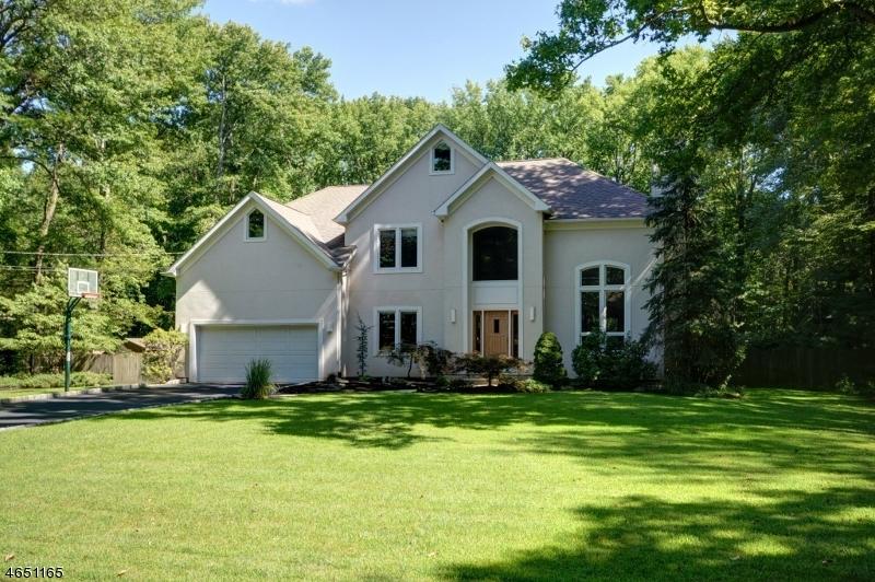 Частный односемейный дом для того Продажа на 1260 Sleepy Hollow Lane Scotch Plains, 07076 Соединенные Штаты