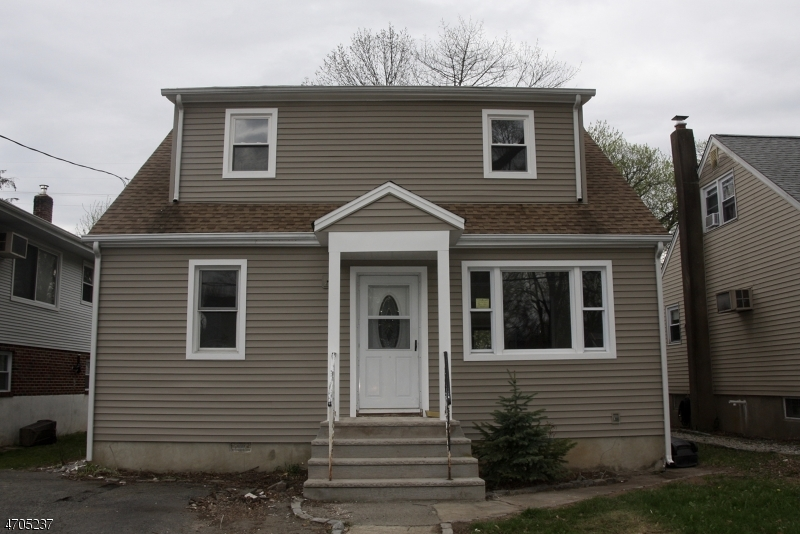 Single Family Home for Rent at 26 Cherokee Avenue Lake Hiawatha, New Jersey 07034 United States