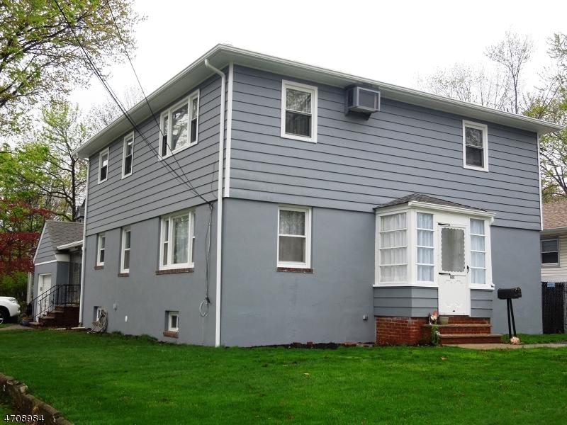 Casa Multifamiliar por un Venta en 600 Ashwood Avenue Roselle Park, Nueva Jersey 07204 Estados Unidos
