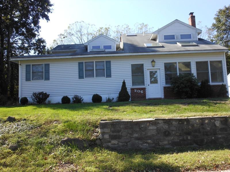 Maison unifamiliale pour l à louer à 206 Ryerson Rd-R Lincoln Park, New Jersey 07035 États-Unis