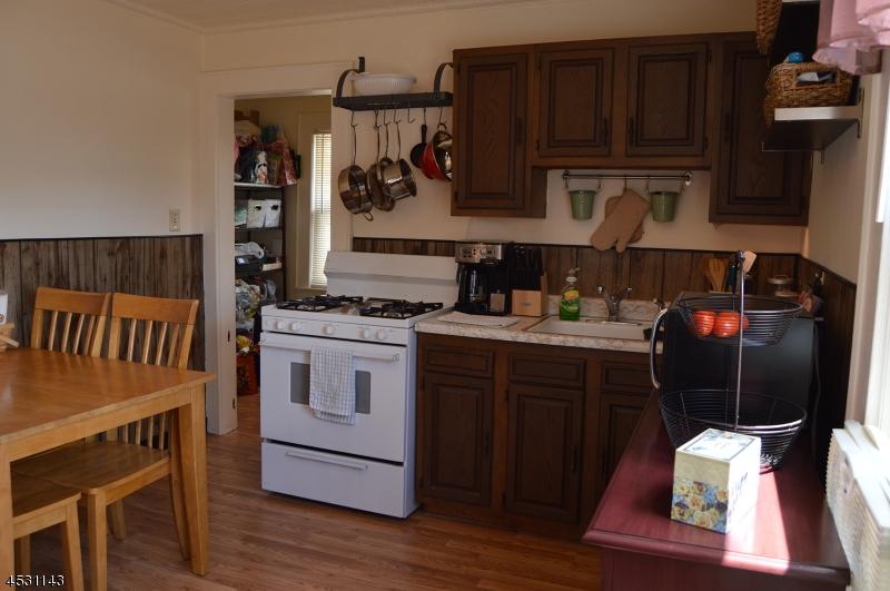 Casa Unifamiliar por un Alquiler en 14 Lincoln Ter Belleville, Nueva Jersey 07109 Estados Unidos