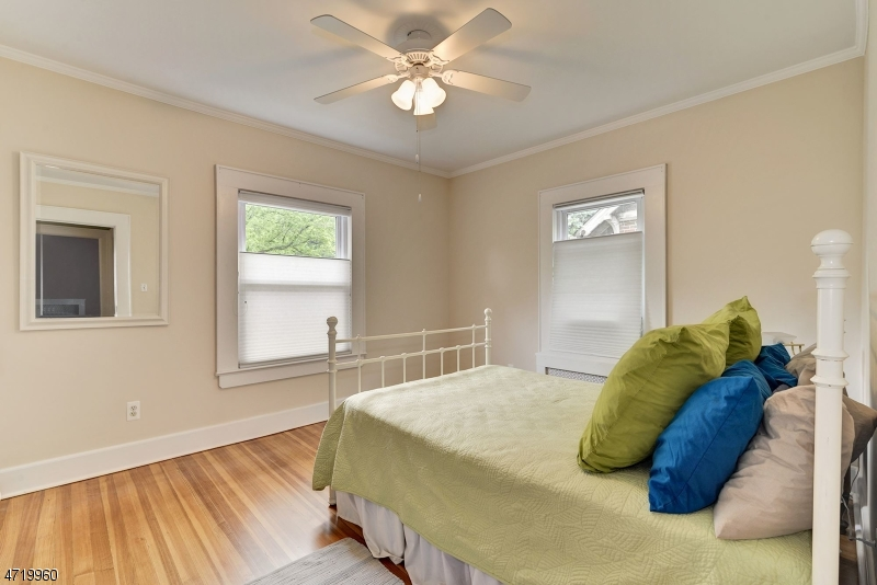 Additional photo for property listing at 354 Turrell Avenue 354 Turrell Avenue South Orange, Nova Jersey 07079 Estados Unidos