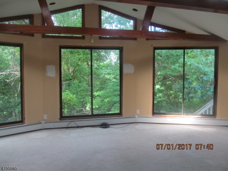 Additional photo for property listing at 37 Jenkins Road  Franklin, New Jersey 07416 États-Unis