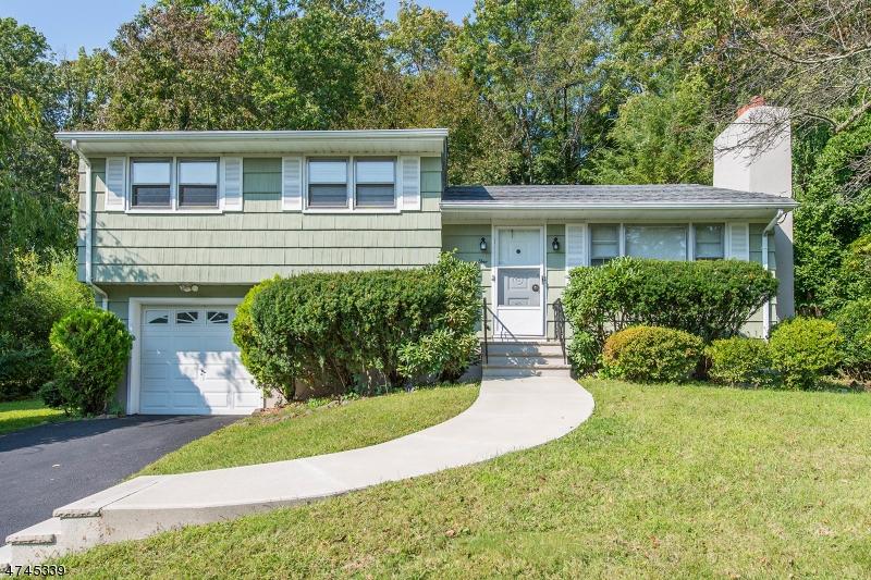 Частный односемейный дом для того Аренда на 1 Tara Lane Montville, Нью-Джерси 07045 Соединенные Штаты