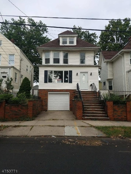 Single Family Home for Sale at 439 Devon Street Kearny, New Jersey 07032 United States