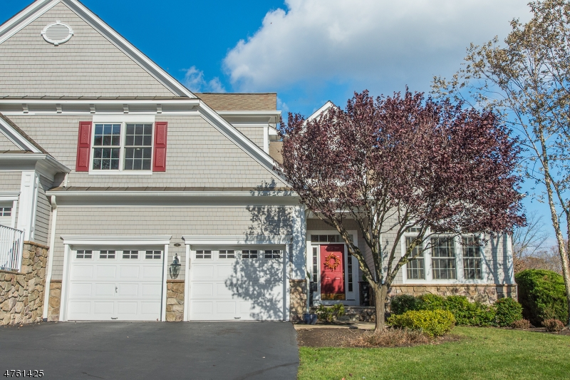 Casa Unifamiliar por un Venta en 8 Tillou Rd W South Orange, Nueva Jersey 07079 Estados Unidos