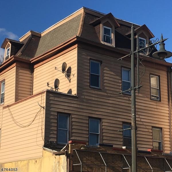 Частный односемейный дом для того Аренда на 482 MAIN Street Paterson, Нью-Джерси 07505 Соединенные Штаты