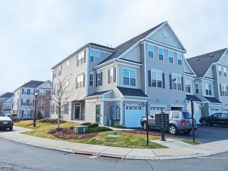 Single Family Home for Sale at 2 PATRIOTS PATH South Bound Brook, New Jersey 08880 United States