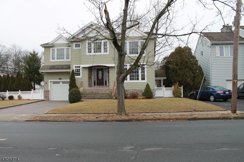 Maison unifamiliale pour l Vente à 312 BALDWIN Avenue New Milford, New Jersey 07646 États-Unis