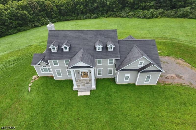 Enfamiljshus för Försäljning vid 44 DILLER WAY Hampton, New Jersey 08827 Förenta staterna