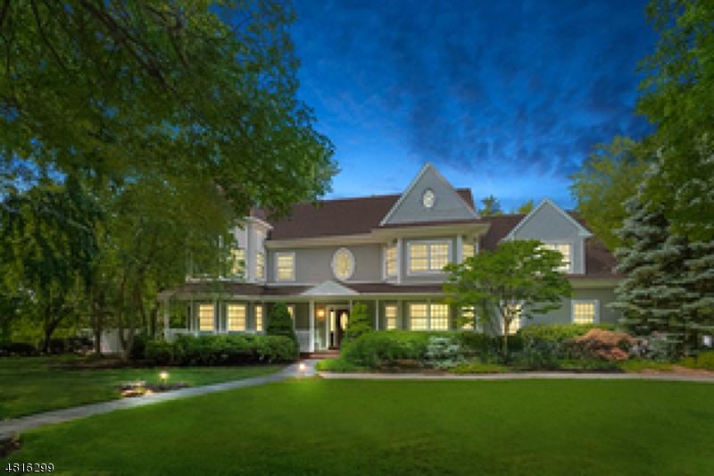 Частный односемейный дом для того Продажа на 38 PINE HILL Road Demarest, Нью-Джерси 07627 Соединенные Штаты
