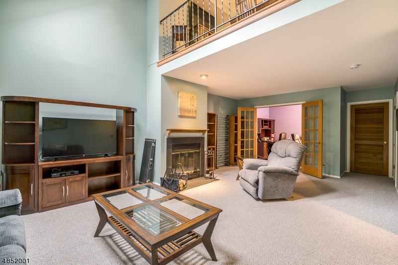 公寓 / 联排别墅 为 销售 在 39 LEXINGTON Lane 西米尔福德, 新泽西州 07480 美国