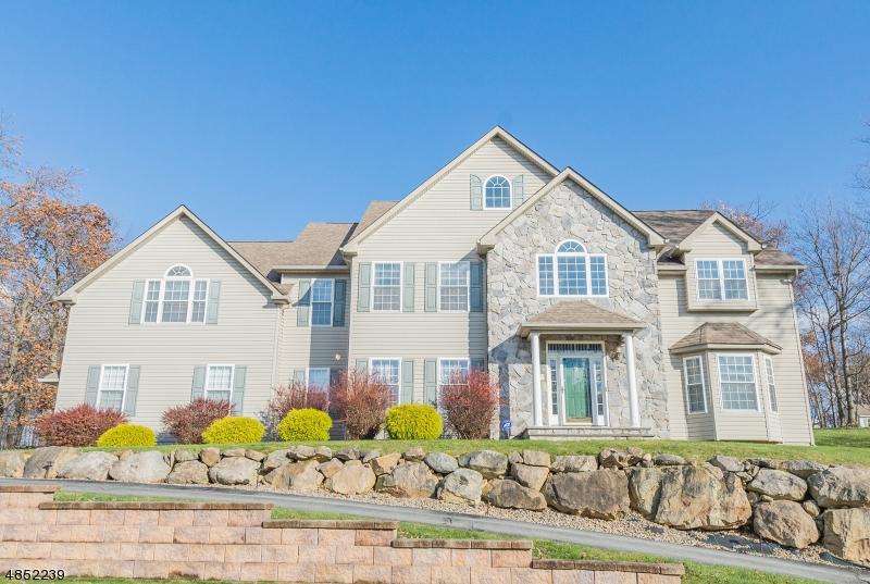 Casa para uma família para Venda às 29 MANOR Drive Byram Township, Nova Jersey 07821 Estados Unidos