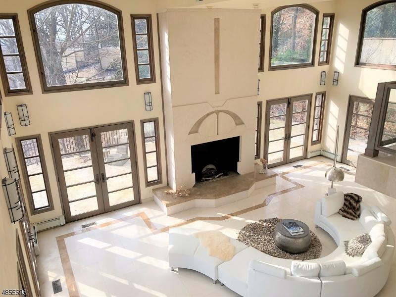 Villa per Vendita alle ore 834 JOHNSTON Drive Watchung, New Jersey 07069 Stati Uniti
