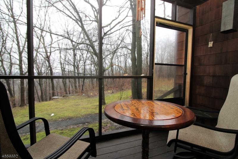 Condo / Casa geminada para Venda às 37 OSPREY Allamuchy, Nova Jersey 07840 Estados Unidos