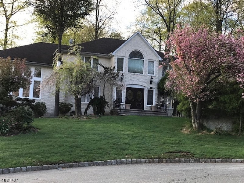 Single Family Home for Rent at 5 NEW CASTLE Court Parsippany, New Jersey 07950 United States