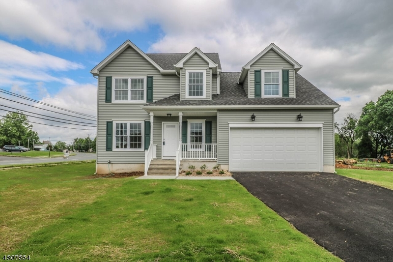 Single Family Home for Sale at 975 GREEN ST 975 GREEN ST Phillipsburg, New Jersey 08865 United States
