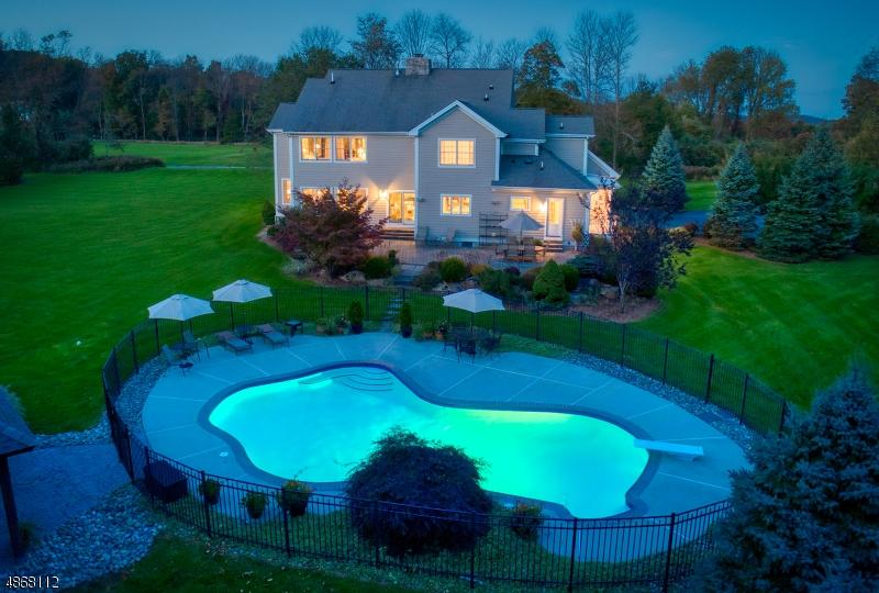Casa Unifamiliar por un Venta en 8 DOEFIELD Road Lebanon, Nueva Jersey 07830 Estados Unidos