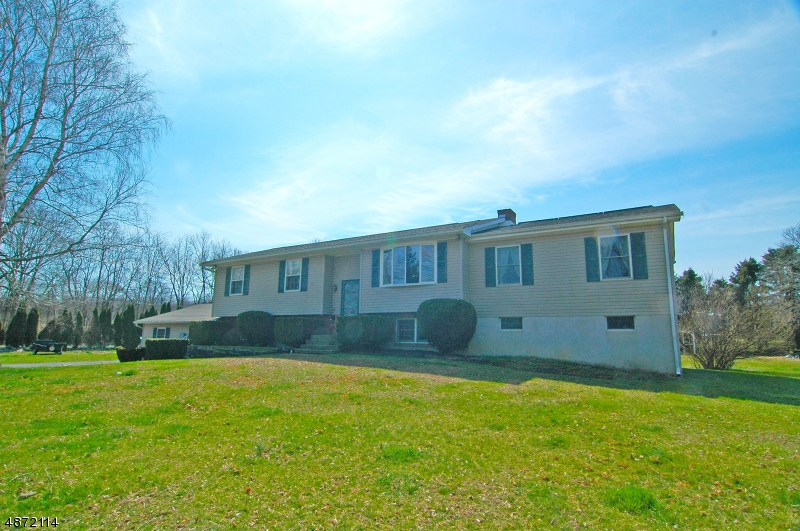 Single Family Home for Sale at 820 HARMONY STATION RD Harmony Township, New Jersey 08865 United States