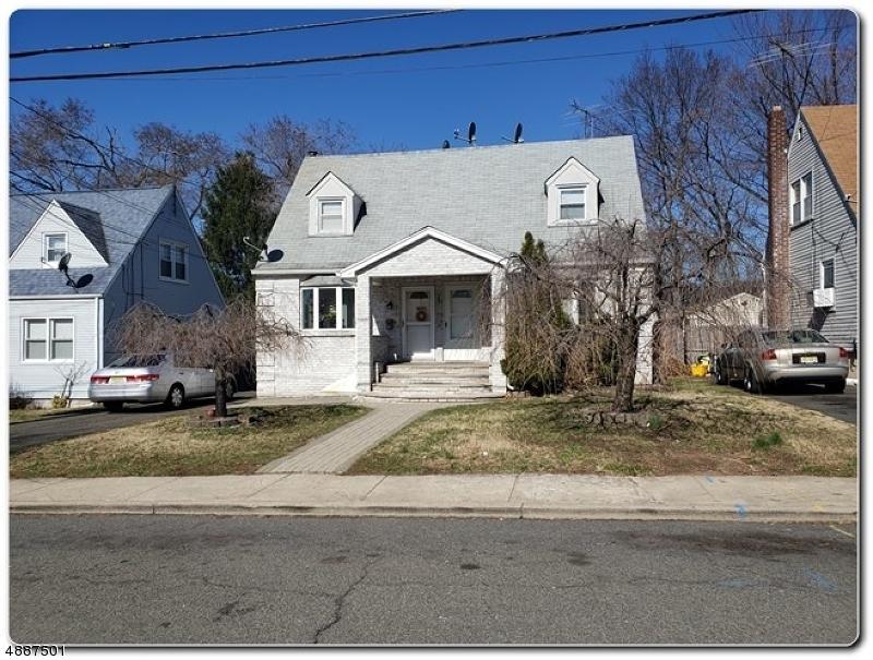 Maison avec plusieurs logements pour l Vente à 19 ABERDEEN Court Haledon, New Jersey 07508 États-Unis