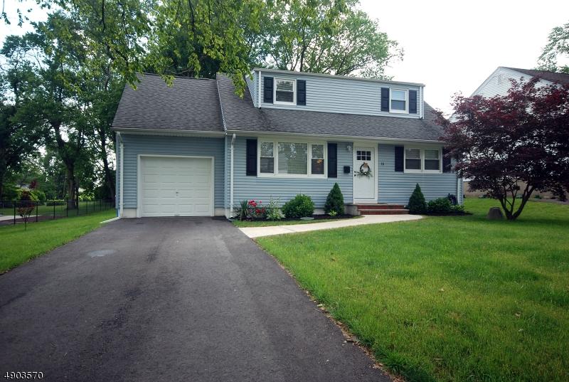 single family homes para Venda às South Bound Brook, Nova Jersey 08880 Estados Unidos