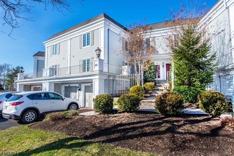 Condo / Maison de ville pour l Vente à Chatham, New Jersey 07928 États-Unis