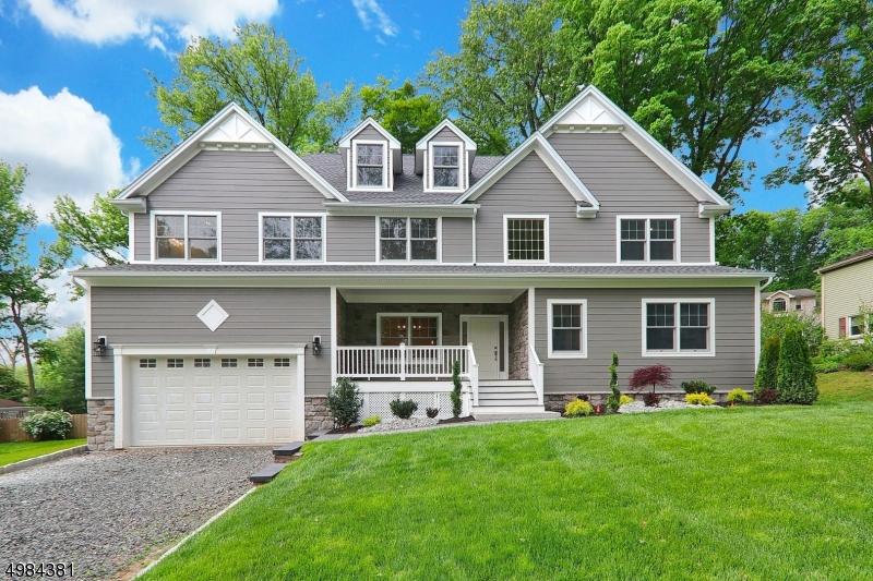 Single Family Homes pour l Vente à Mountainside, New Jersey 07092 États-Unis