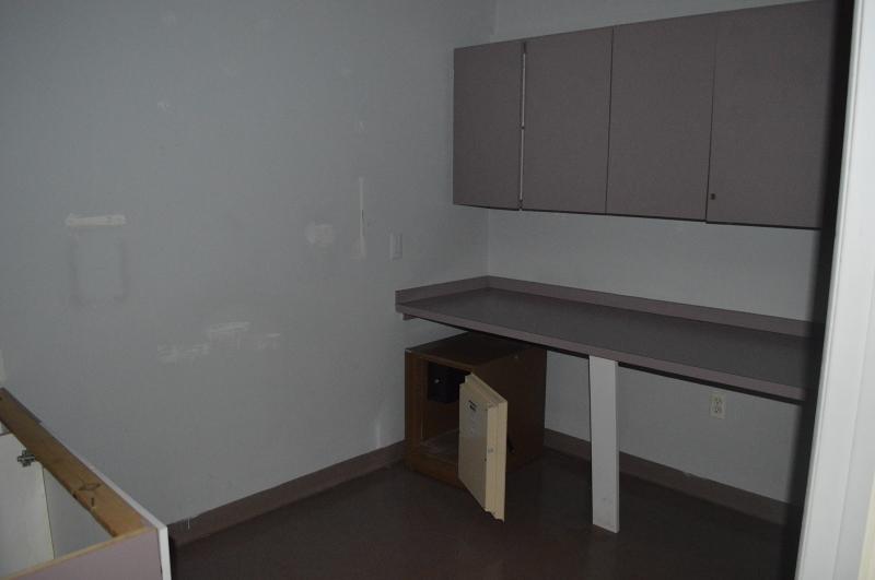 Additional photo for property listing at 750 Hamburg Tpke  Pompton Lakes, Нью-Джерси 07442 Соединенные Штаты