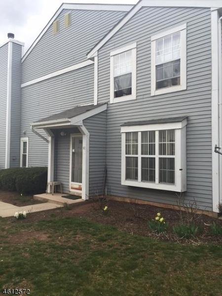 Частный односемейный дом для того Продажа на 112 Almond Drive Somerset, Нью-Джерси 08873 Соединенные Штаты
